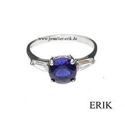 Eleganter Solit�r in BlauerZirkonia